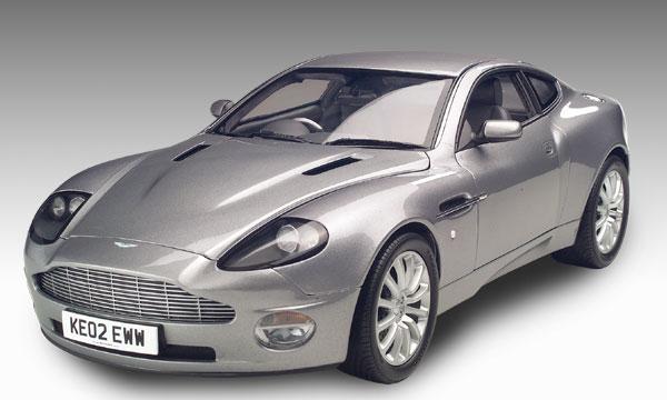 Aston Martin V12 Vanquish 007 Die Cast Model Kyosho 08603s2